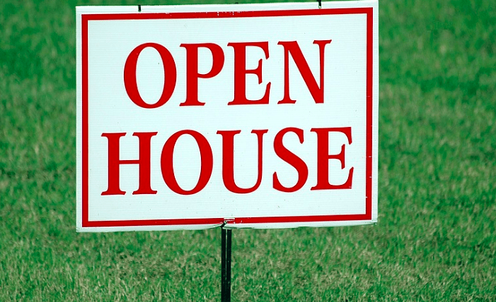 An open house sign from a home sale.